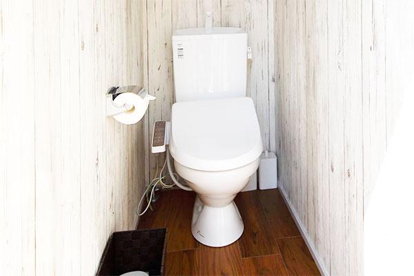 温水洗浄機付トイレ